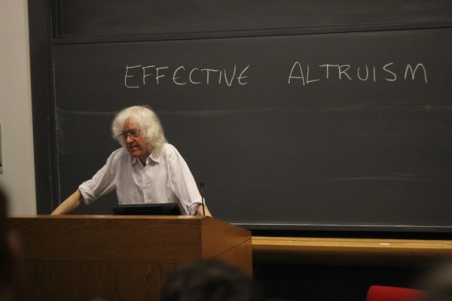 Derek_Parfit_at_Harvard-April_21,_2015-Effective_Altruism